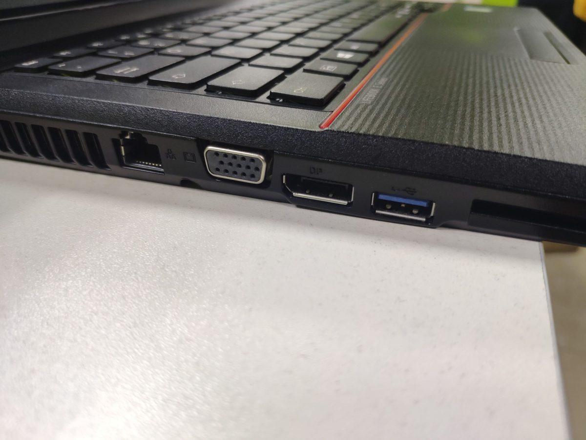 Fujitsu e546