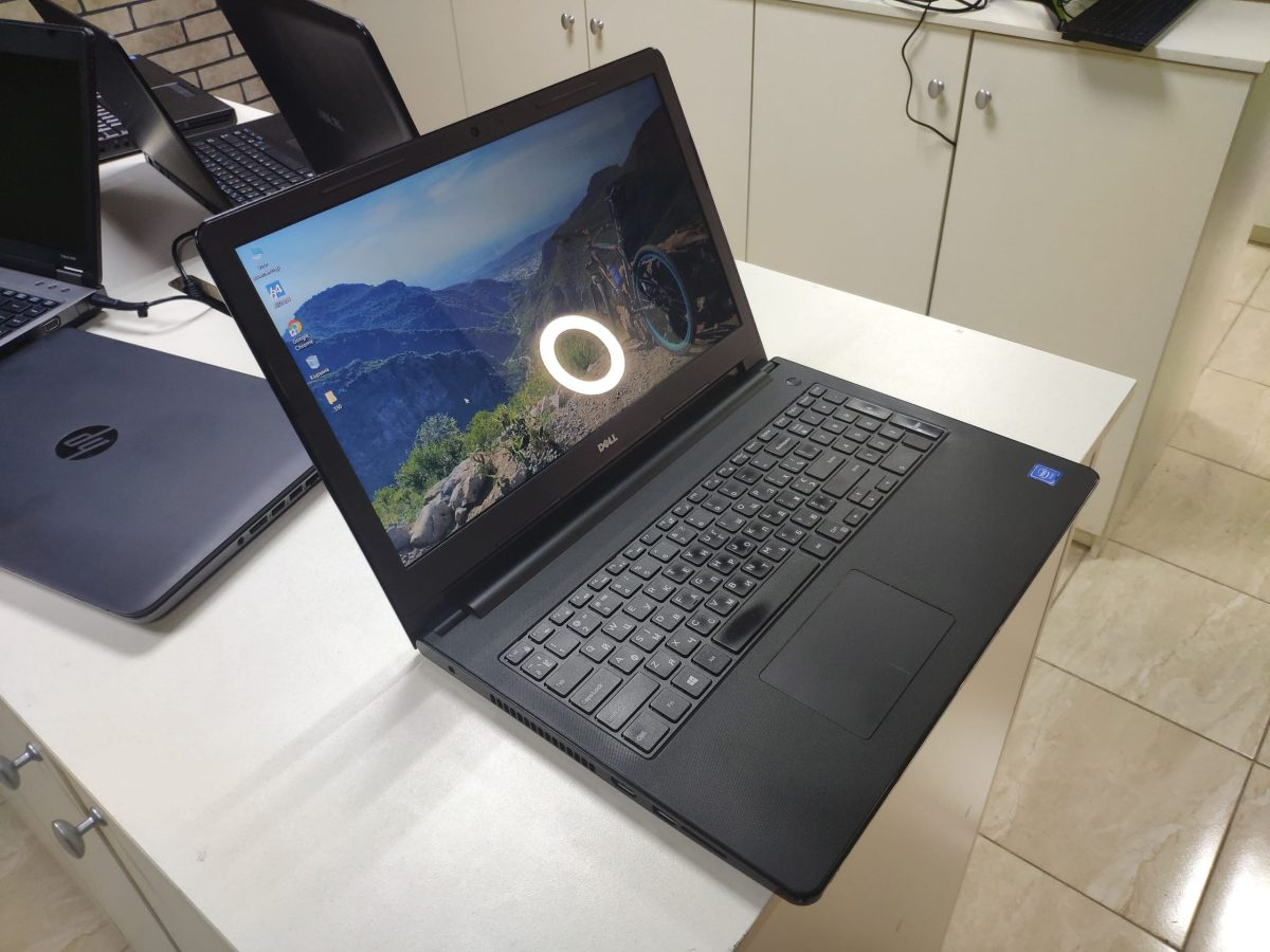 Dell Inspiron 3560