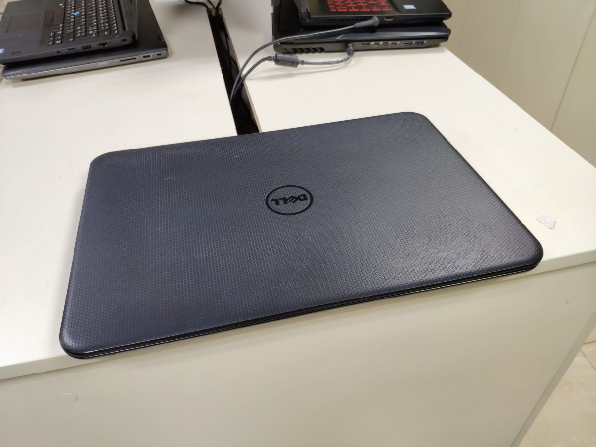 Dell Inspiron 3531
