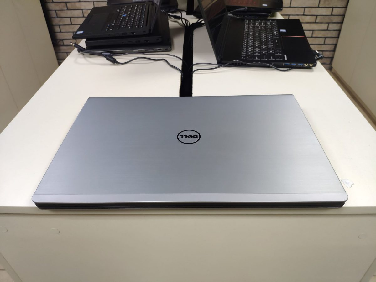 Dell Inspiron 5748