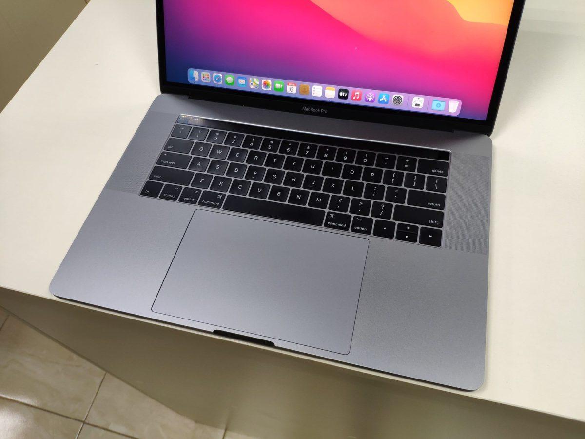 Apple Macbook pro 15 2017 A1707 EMC3162