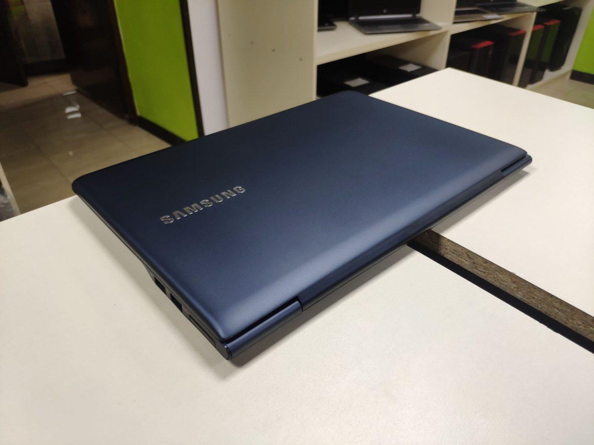 Samsung NP535u
