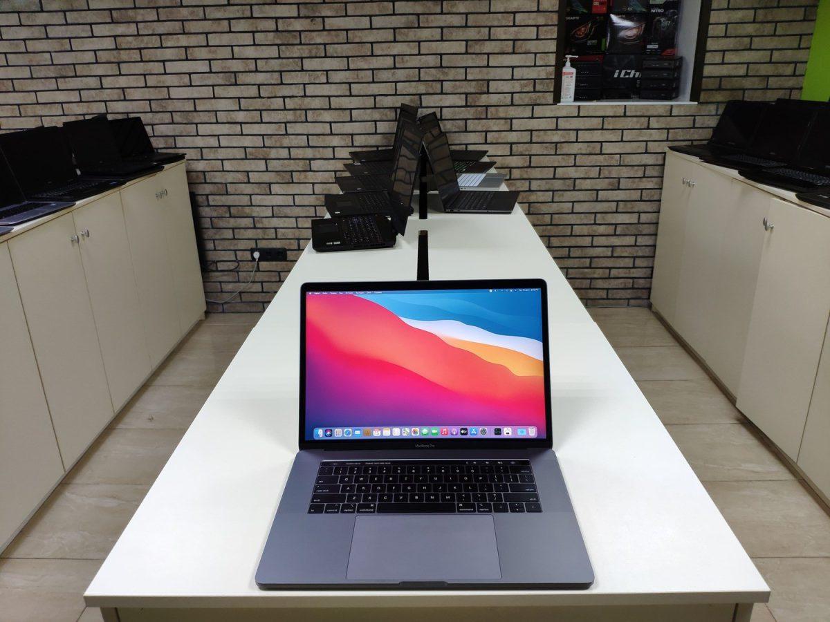 MacBook Pro 15 2019 A1990