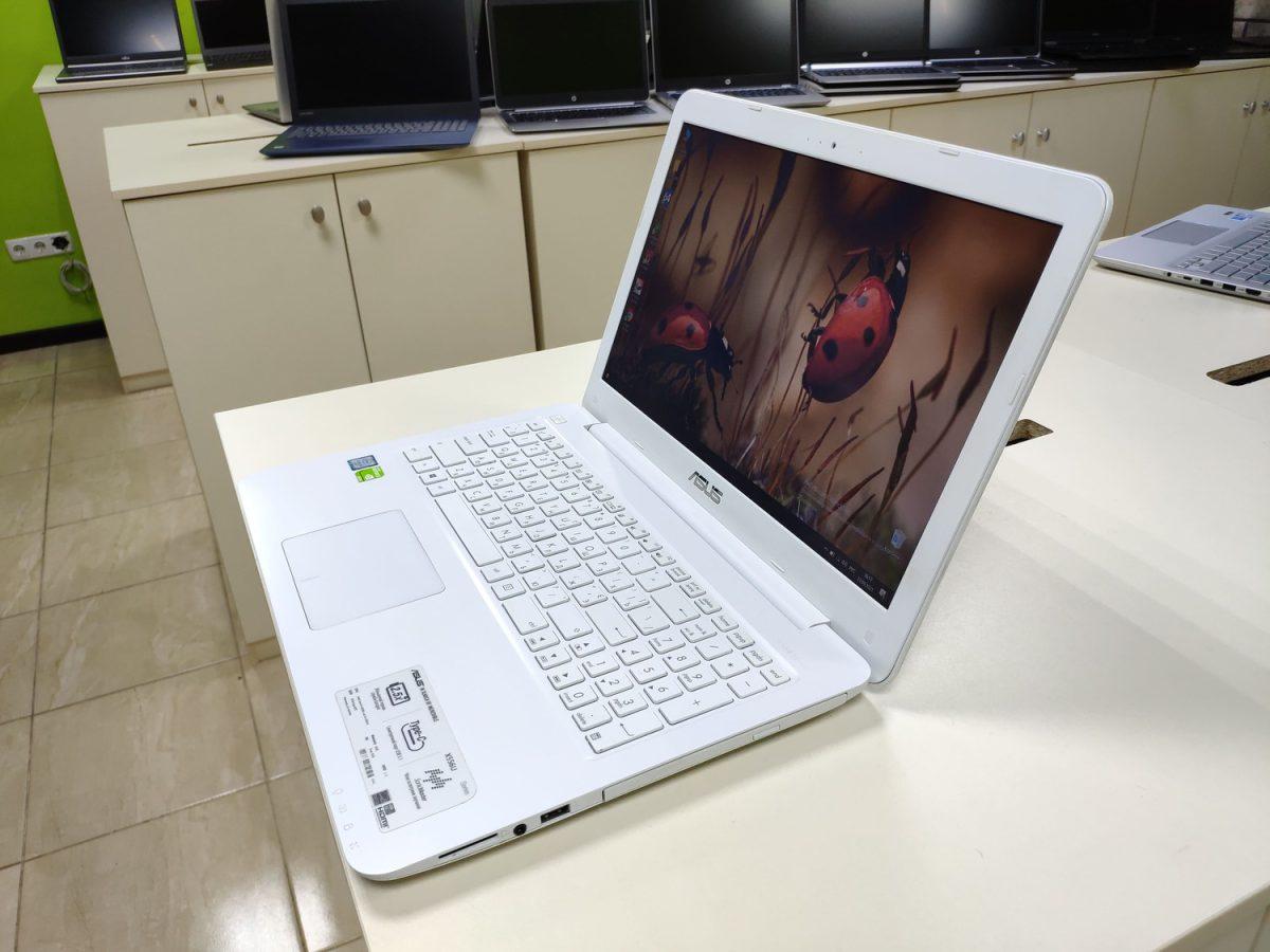 ASUS X556U White